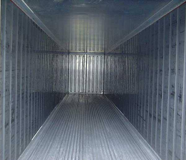 khoang container của Trân Phạm
